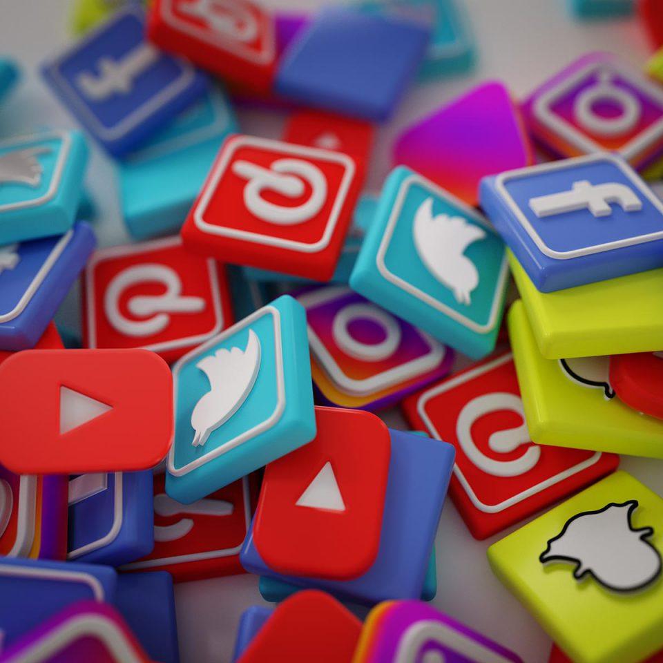 Os riscos do uso de redes sociais no ambiente de trabalho