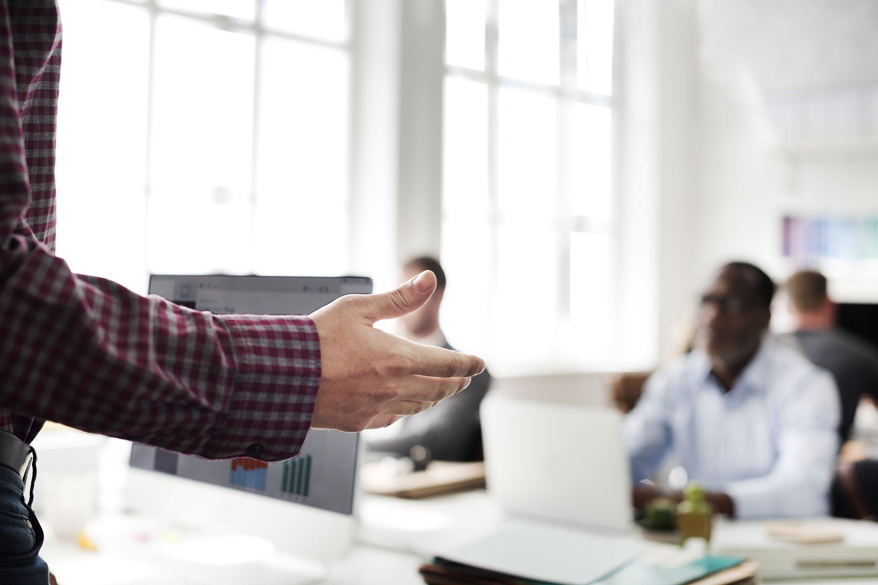 Como criar um treinamento de vendas eficaz em 3 passos
